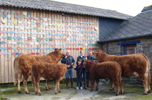 Adeline, éleveuse sélectionneuse de vaches allaitantes, est passionnée de concours agricoles et en a fait son métier